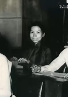 Áo dài Việt Nam đi qua khói lửa chiến tranh