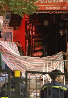 Vụ cháy ở phố Tôn Đức Thắng: Cả 4 người trong gia đình tử vong, nguyên nhân do chập điện