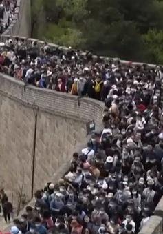 Người dân Trung Quốc đổ xô đến Vạn Lý Trường Thành