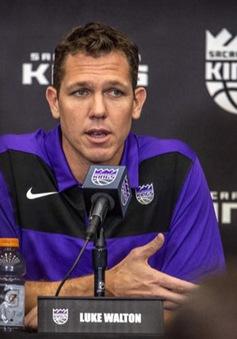 HLV Luke Walton tự tin sẽ tiếp tục dẫn dắt Sacramento Kings mùa tới