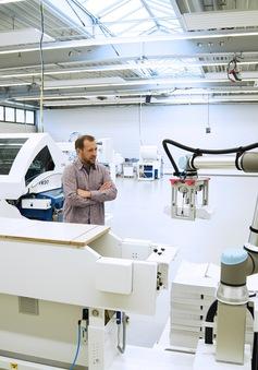 Universal Robots ra mắt mẫu UR10e cải tiến mới
