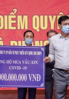 Tập đoàn DIC trao tặng 5 tỷ đồng kinh phí mua vaccine phòng ngừa COVID-19