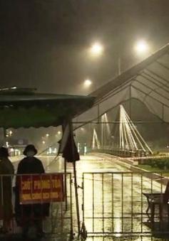 Bão số 2 đổ bộ đất liền, Hà Tĩnh, Nghệ An mưa rất to