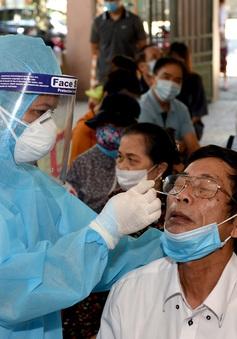 Nghệ An lấy hơn 6.000 mẫu xét nghiệm cho người dân khu vực cách ly