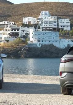 Đảo du lịch Hy Lạp đi đầu xu hướng chuyển đổi sang xe điện