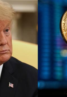 """Bitcoin lao dốc sau khi bị ông Trump gọi là """"trò lừa đảo"""""""