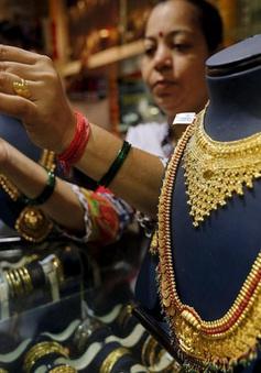 Kiệt quệ vì đại dịch, người Ấn Độ phải bán vàng để trang trải cuộc sống