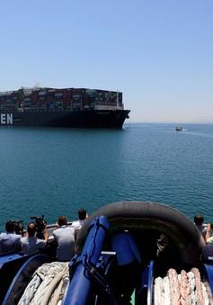Doanh thu kênh đào Suez đạt mức cao kỷ lục