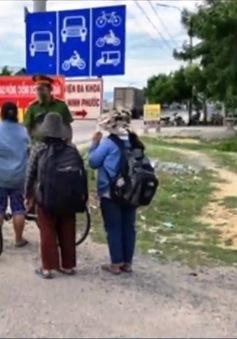 Hành trình yêu thương của 4 mẹ con đạp xe từ Đồng Nai về Nghệ An