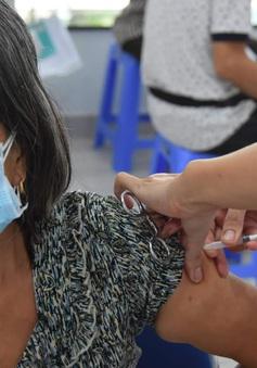 Bộ Y tế đề nghị TP. Hồ Chí Minh đẩy nhanh tiến độ tiêm chủng vaccine COVID-19