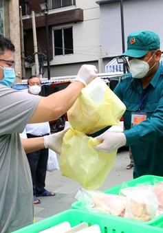 Đi chợ giúp dân: Mệnh lệnh từ trái tim của quân đội
