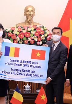 Việt Nam tiếp nhận 300.000 liều vaccine do Romania tặng