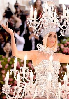 """Met Gala: """"Đại tiệc thời trang"""" và cách lựa chọn trang phục cho các sao"""