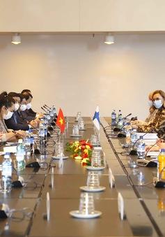 Chủ tịch Quốc hội mong muốn Phần Lan hỗ trợ Việt Nam trong tiếp cận nguồn cung vaccine
