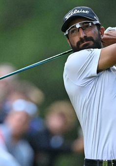 Francesco Laporta dẫn đầu vòng 3 PGA BMW Championship