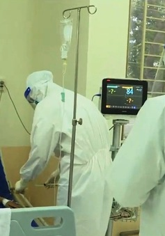 """Điều dưỡng viên tại BV điều trị COVID-19 - những """"chiến binh"""" bền bỉ"""