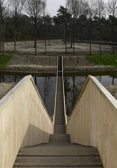 Những cầu thang kỳ lạ nhất thế giới