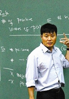 GS Toán học Vũ Hà Văn giải bài toán cải cách giáo dục