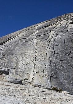 Mạo hiểm chinh phục núi đá Half Dome