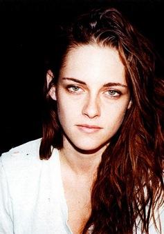 Kristen Stewart chưa dứt tình với Robert Pattinson
