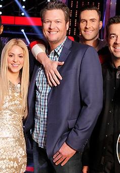 Gia đình The Voice khấp khởi chào đón Gwen Stefani
