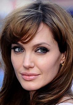 Angelina Jolie và liều thuốc chữa lành vết thương bí mật