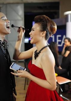 Đông Hùng phát hành đĩa đơn với bạn gái