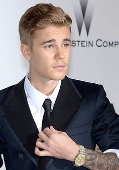 Justin Bieber vướng vào vụ kiện mới