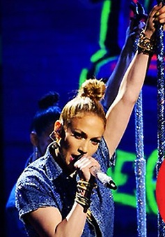 Jennifer Lopez đề cử Selena Gomez sắm vai diễn đặc biệt