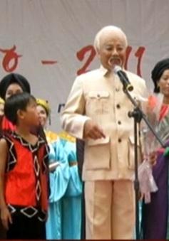 Nghệ sỹ Văn Tân xác lập kỷ lục 1.702 buổi diễn đóng vai Bác Hồ