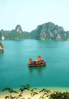 Vịnh Hạ Long lọt top 10 điểm du lịch ăn ảnh nhất thế giới