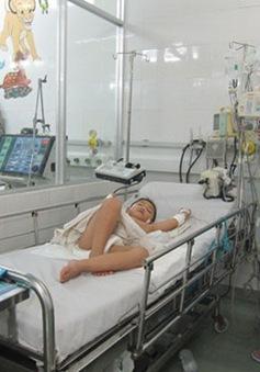 Cấp cứu thành công một trẻ bị sốc sốt xuất huyết nặng