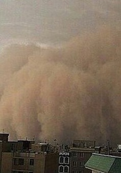 Bão cát khổng lồ ở Thủ đô Iran, 4 người thiệt mạng