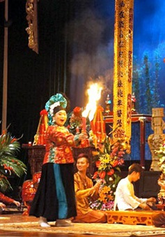 AFP có bài phân tích độc đáo về nghi lễ hầu đồng Việt Nam
