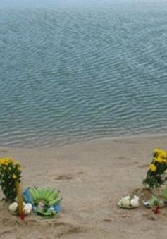 Tìm thấy thi thể 4 học sinh bị đuối nước khi đi bắt hàu