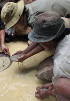 Khánh Hòa: Ô nhiễm nguồn nước do khai thác quặng trái phép