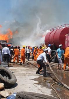 Bình Định: Cháy dữ dội tại Cảng Quy Nhơn