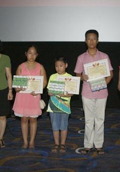 Đài THVN tổ chức trao thưởng cho học sinh giỏi năm học 2012-2013