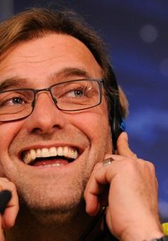 """Jürgen Klopp kêu gọi các học trò không """"phát điên"""" trước chiến thắng"""