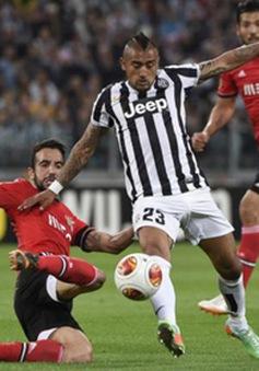 Chấn thương, Arturo Vidal khó có cửa đến Manchester United