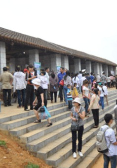 Độc đáo chợ lưu động vùng cao ở Huế