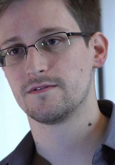 Cựu nhân viên CIA Snowden rời Hong Kong