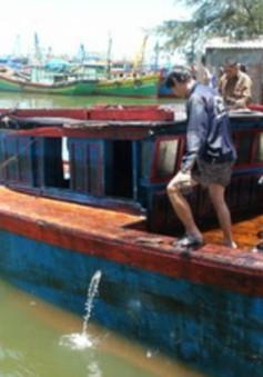 Bàn giao tang vật gây tràn dầu ở Quy Nhơn