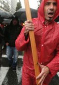 Hy Lạp: Bãi công phản đối chính sách thắt lưng buộc bụng