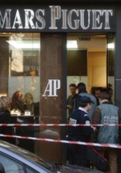 Pháp: Cướp trang sức trị giá hơn 1 triệu USD