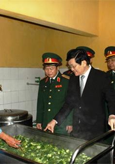 Chủ tịch nước thăm Quân đoàn 1
