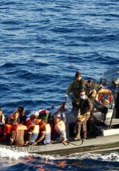 Hải quân Italy cứu 1.000 người nhập cư trái phép trong 24 giờ
