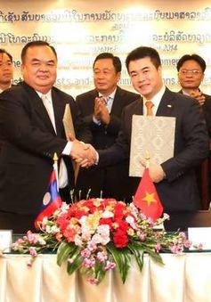 Việt Nam giúp Lào xây dựng hệ thống phông chữ