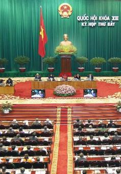 Quốc hội thảo luận và nghe đọc tờ trình các dự án luật