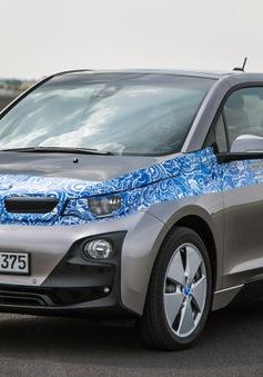 """BMW công bố giá bán cho """"xế hộp"""" chạy điện - BMW i3"""